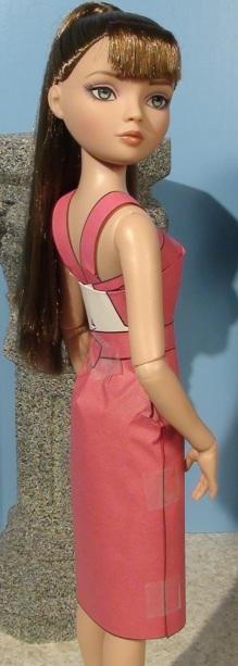 Ellowyne modeling straight skirt