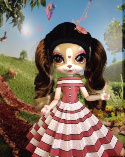 Pinkie Cooper wearing Emma